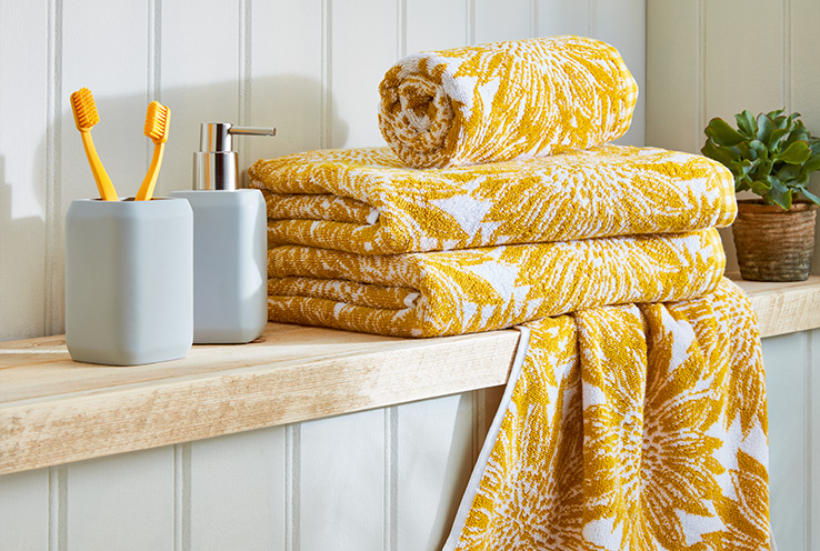 Discover our quick and easy ways to brighten up your bathroom