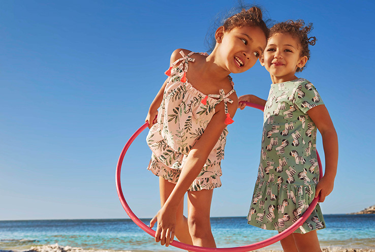 Give your little ones a summer to remember with Life & Style's guide to fun activities and outdoor toys to keeping them entertained.