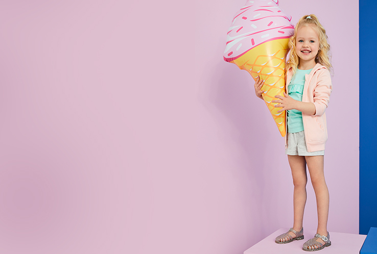 Join the craze this summer and discover our wide selection of jelly shoes