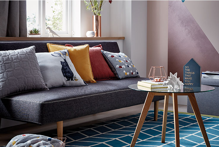 Life & Style have rounded up 4 inspirational ideas to help you make a statement in your living room.