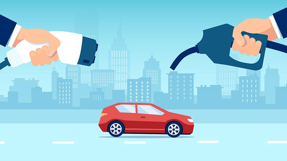 coche-rojo-entre-el-surtidor-de-gasolina-y-el-cargador-del-coche-eléctrico