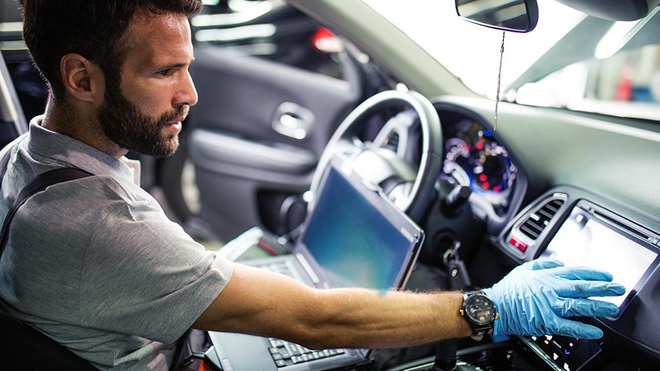 maintenance-software-in-vehicle