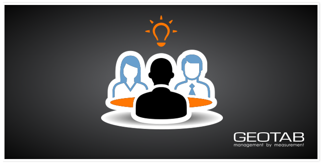 graphic of two employees with their manager facing them and a light bulb over them