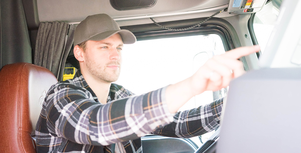 ELD Tips for Drivers: Going from Paper Logs to Electronic