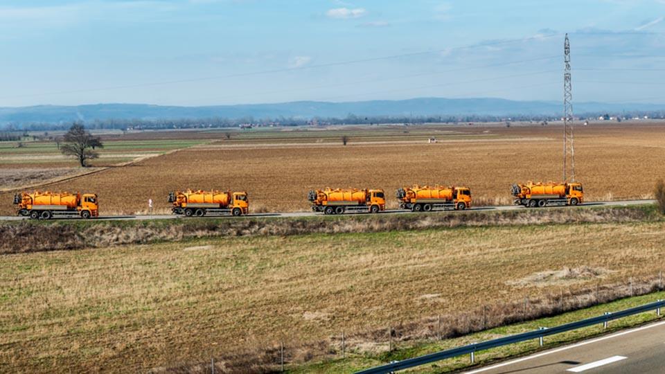 trucks-crossing-country