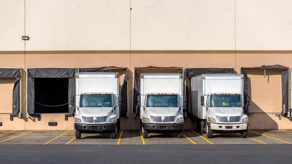trucks-waiting