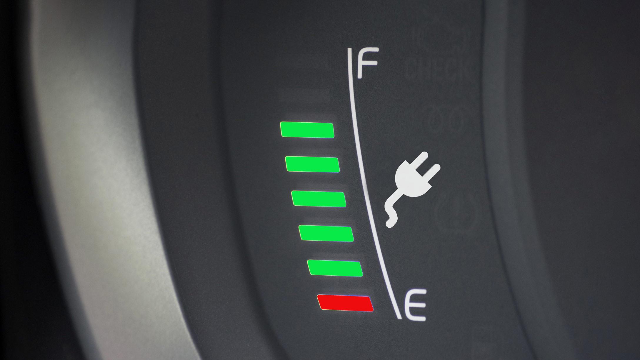 Immagine con icona di ricarica batteria di un veicolo elettrico