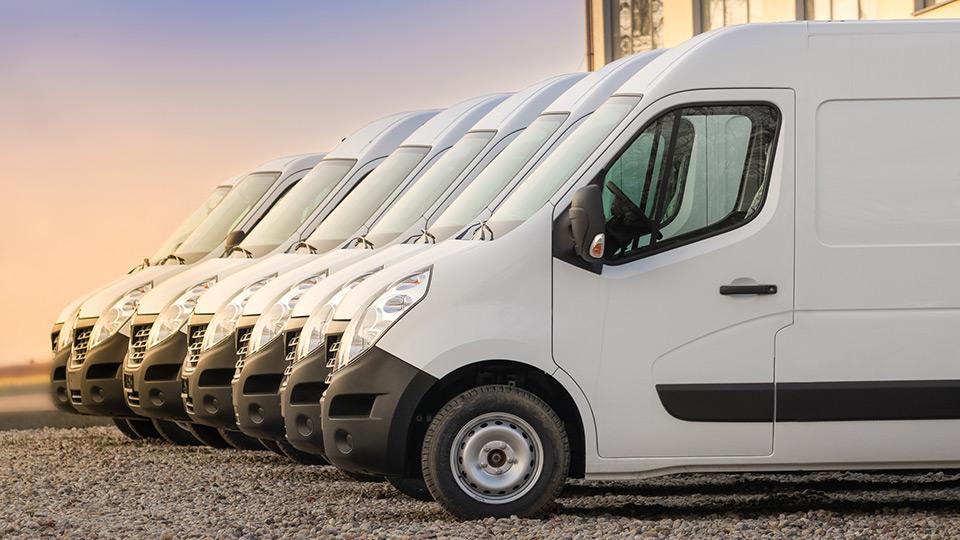 furgonetas en fila