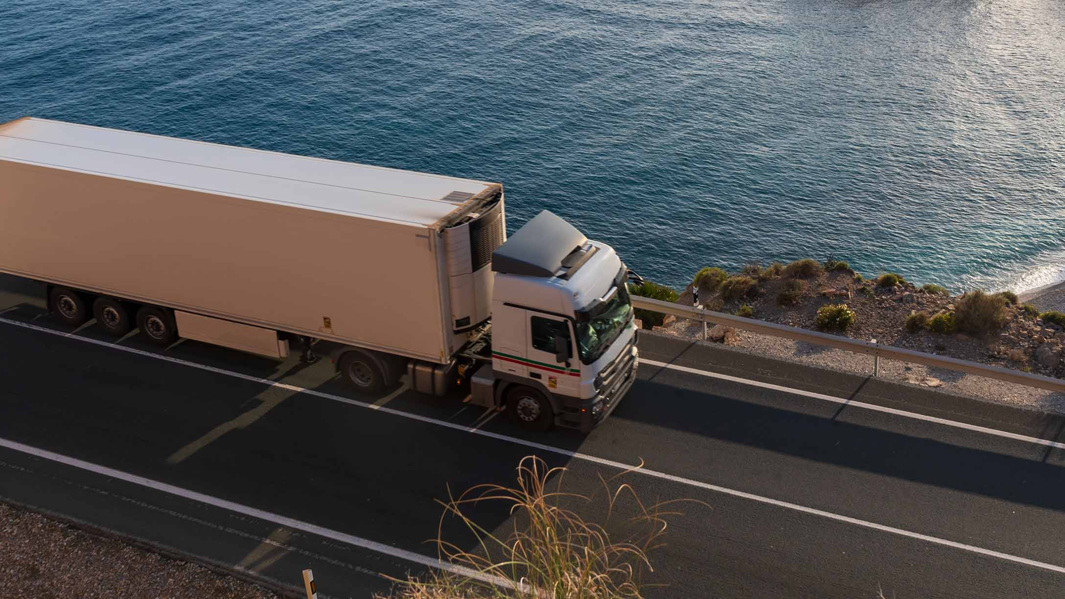 camión-en-la-carretera