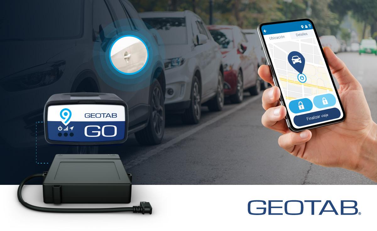 La imagen muestra un móvil abriendo la puerta de un vehículo gracias a la solución Keyless de Geotab