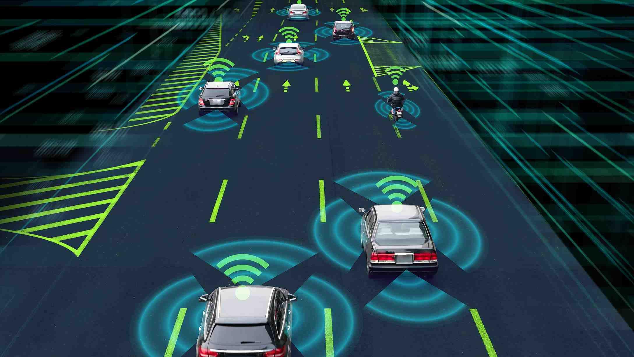 Imagen digital de vehículos circulando en una autopista, con líneas de connexión wi-fi