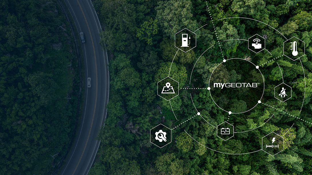 一个web图表,链接在森林背景上连接到MyGeotab平台的各种解决方案。