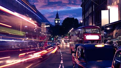 trafalgar-square-london-uk-street