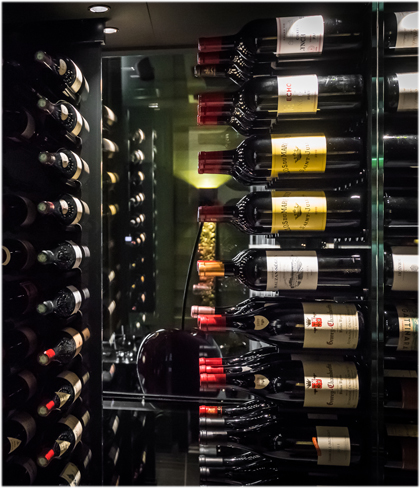 Verre cave - armoires à vins sur-mesure.