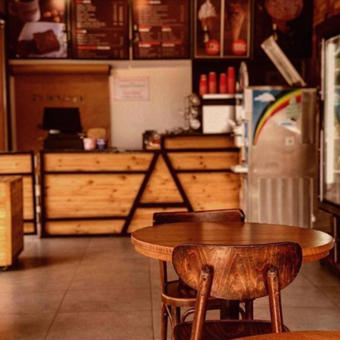 3 Фото интерьера Adriano Coffee