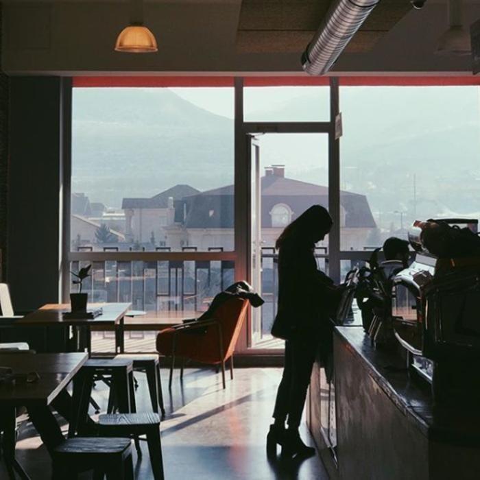 3 Фото интерьера FLASK Coffee