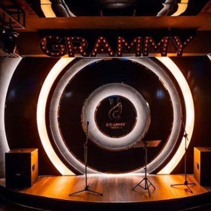 1 Фото интерьера Grammy