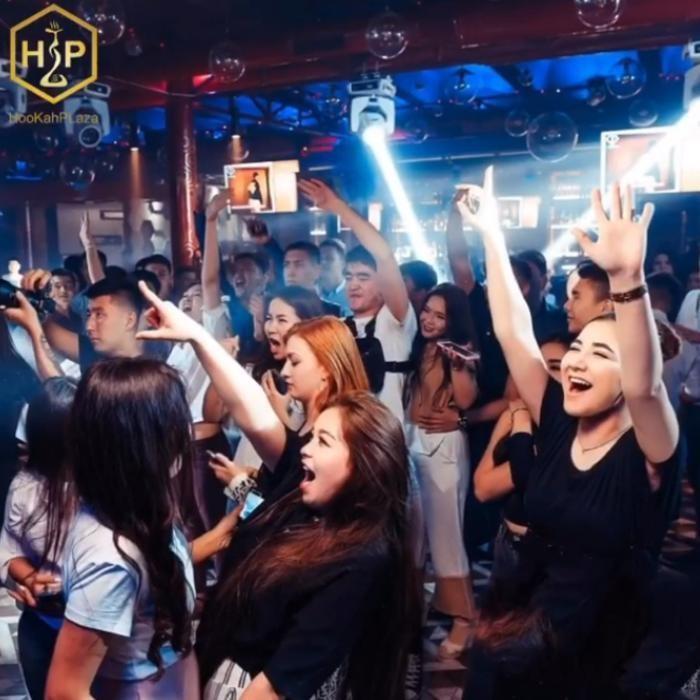 3 Фото интерьера HP party bar