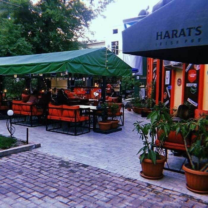 5 Фото интерьера Harat`s pub