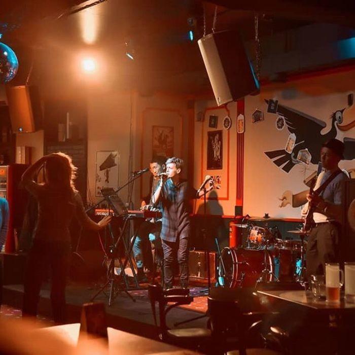 2 Фото интерьера Harat`s pub