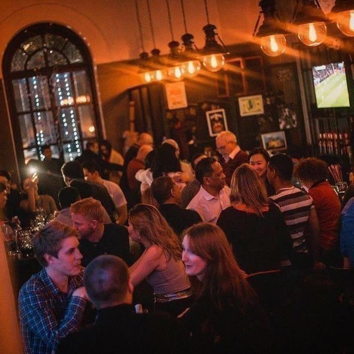 6 Фото интерьера Metro Pub