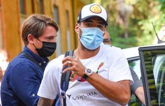 Barcelona's Luis Suarez accused of cheating to pass his Italian exam » GhBasecom™