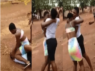 Video: Two JHS graduates exchange hot blows because of iPhone » GhBasecom™