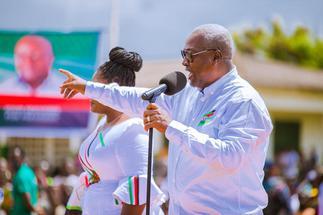Mahama promises contractors