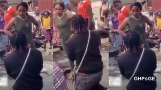 Lady angry with her boyfriend for proposing to her in the market