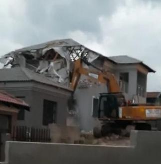 Angry Sugar Daddy Demolishes 4 Bedroom Apartment He Built For Slay Queen After he Caught Her Cheating