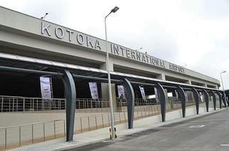 Striking airport workers give government two weeks to resolve grievances