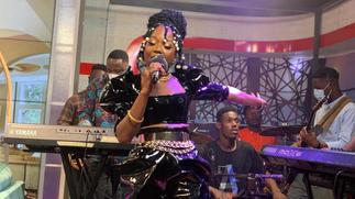 Stonebwoy joins social media to praise Efya over enchanting performance [ARTICLE]