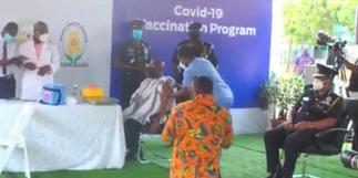 Bawumia, Samira also receive COVID-19 vaccine [Photos]