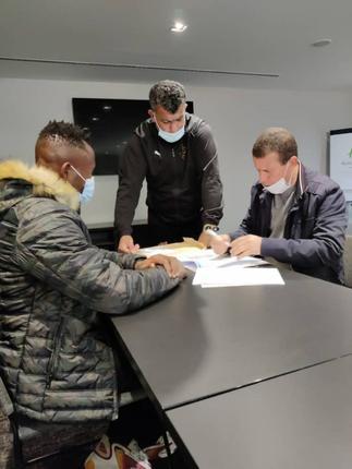 Joseph Esso completes USM Algiers move