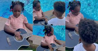 Jidula: Stonebwoy's Daughter Plays Guitar And Sings For Her Brother Janam; Video Warms Hearts ▷ Ghana news
