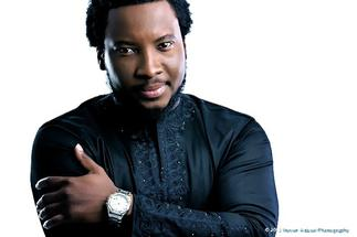 Ghanaians blast Sonnie Badu for selling 'Lions over Frogs' T-shirt at 100 dollars