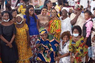 Jayana donates to widows, aged women at Christian Praise International Centre