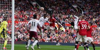Man Utd beaten by Aston Villa as Fernandes misses 93rd-minute penalty