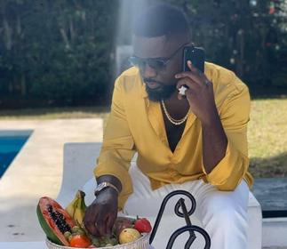 Sarkodie shopped, connected young artistes to influential people in UK