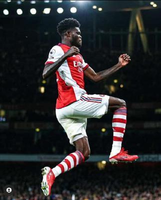 Watch Thomas Partey's first Arsenal goal