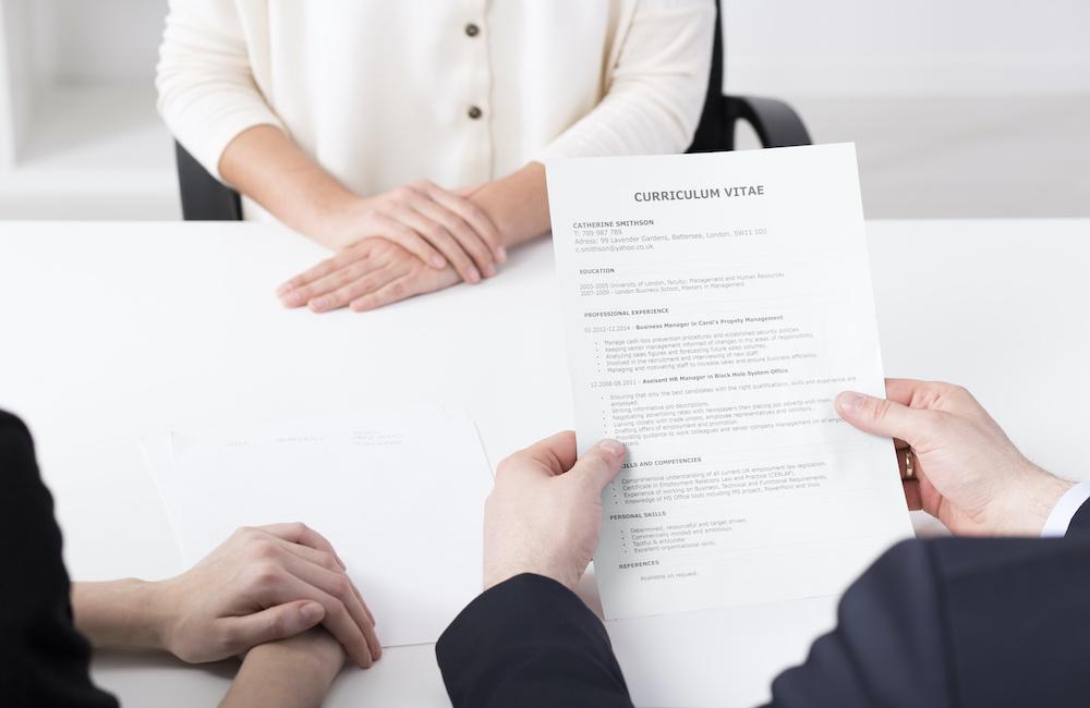 CV opiekuna osób starszych. Podejmij legalne zatrudnienie.