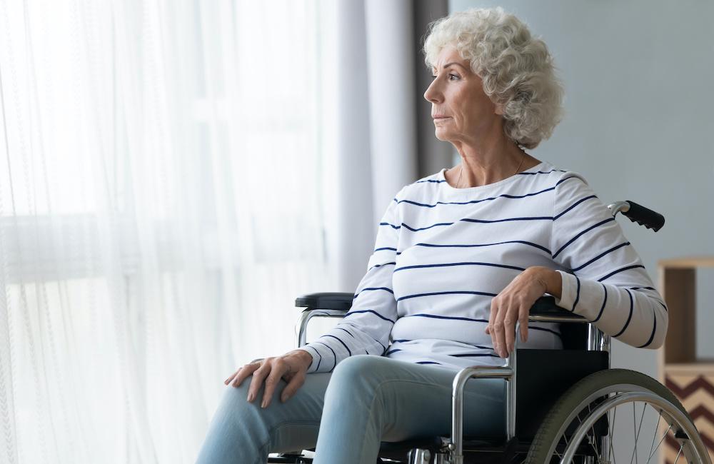Jak opiekować się seniorem na wózku?