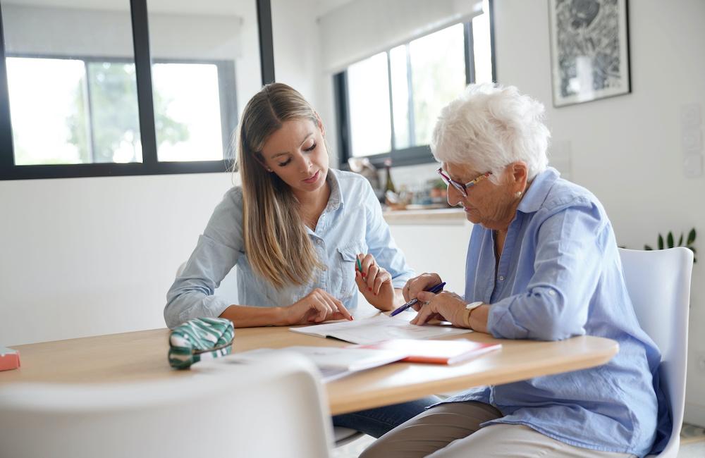 Z czym w pracy musi się liczyć opiekun osoby starszej?