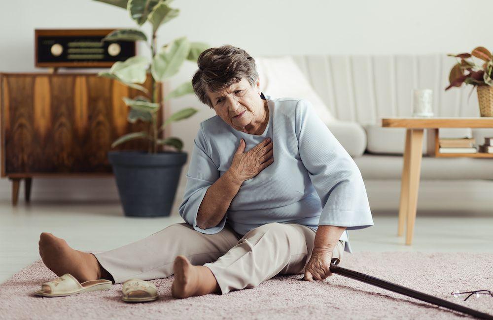 Udar mózgu u osoby starszej – pierwsze sygnały, opieka, dalsze postępowanie