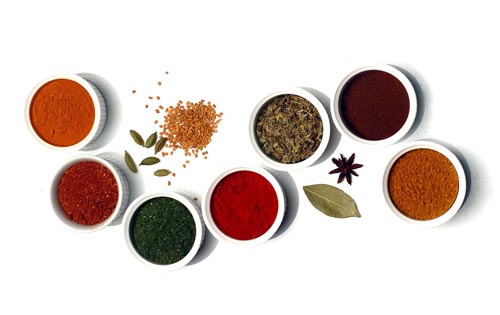 Spices in a curved line