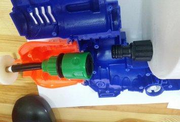 רובה צעצוע חשמלי היורה מים