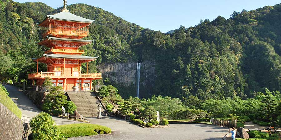 kumano-kodo-temple-waterfall-camino-ways