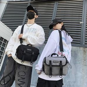 全新多用途尼龍斜孭袋, 休閒袋, 尺寸適中又易襯衫