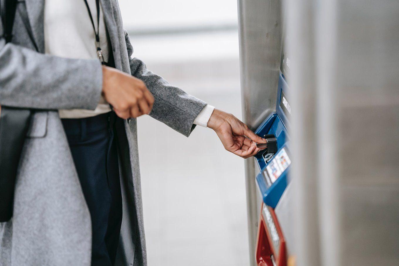 Jenis, Cara Transfer, dan Limit Kartu Kredit BCA