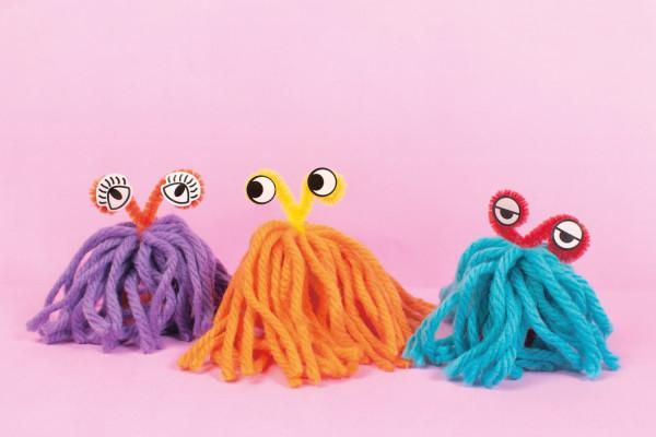 Make soft yarn aliens